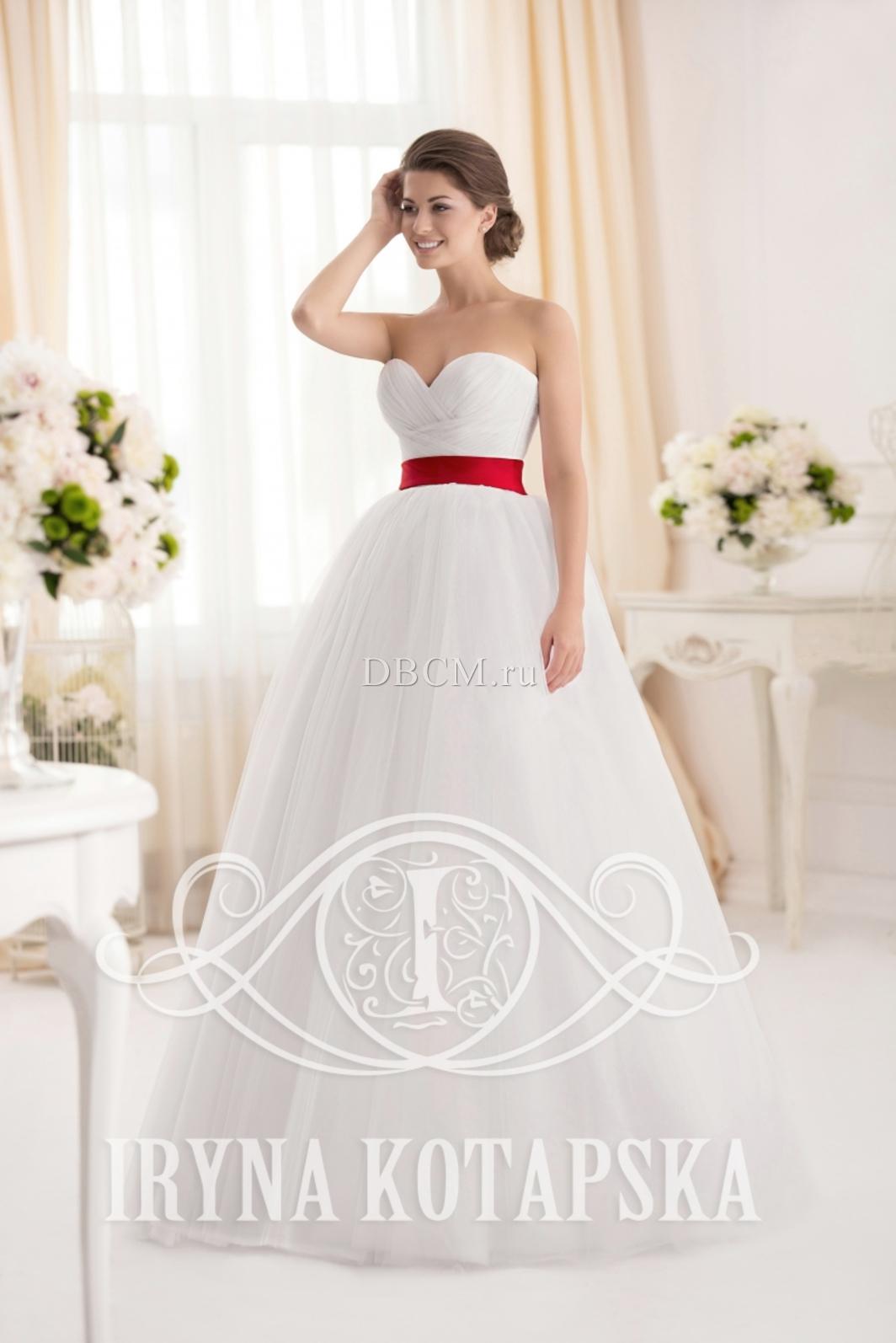 Платья свадебные с красным поясом
