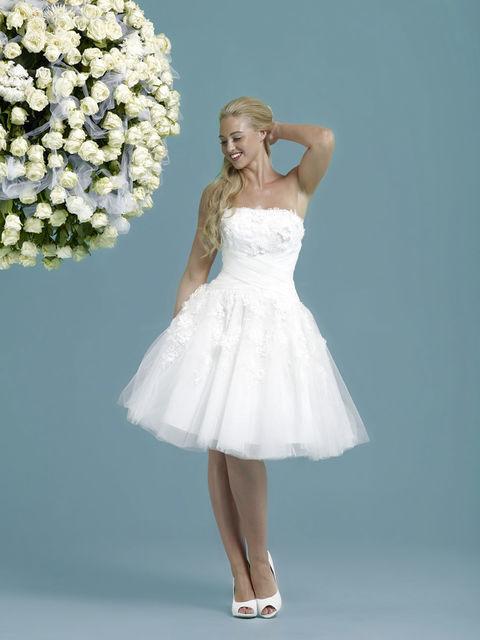 Amanda short wedding