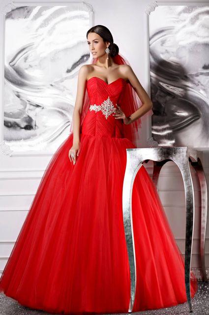 Свадебные платья красного цвета купить