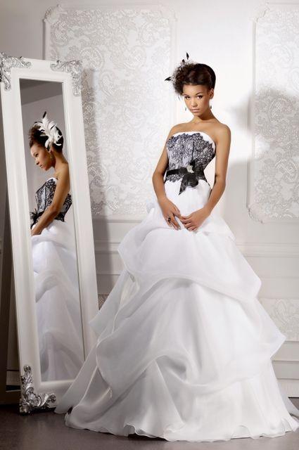 Фото свадебного платье белое с черным
