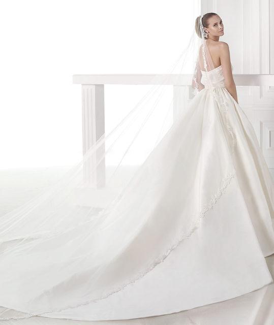 vestido de novia de pronovias casey. colección atelier 2015
