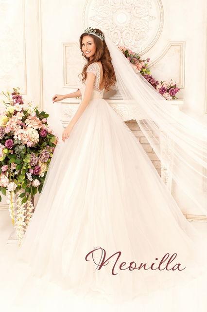 некоторые сотрудники свадебное платье неонила хабаровск магазинах для