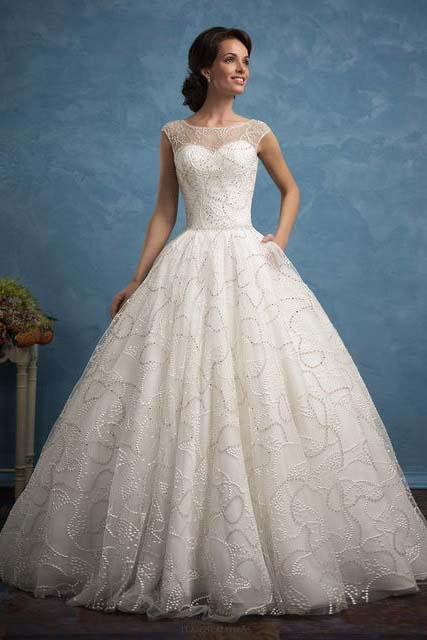 фото пышного свадебного платья с кружевом