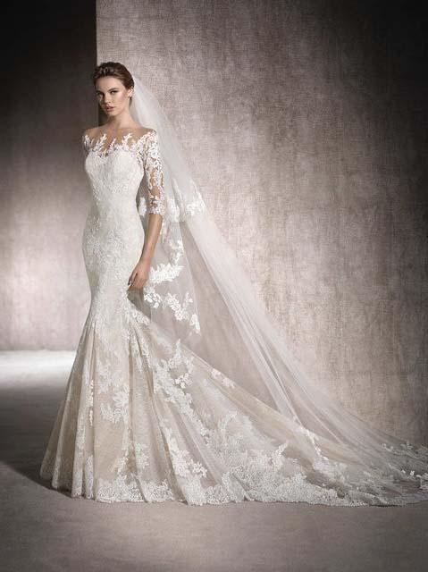 фото свадебного платья фасона рыбка со шлейфом кружевное